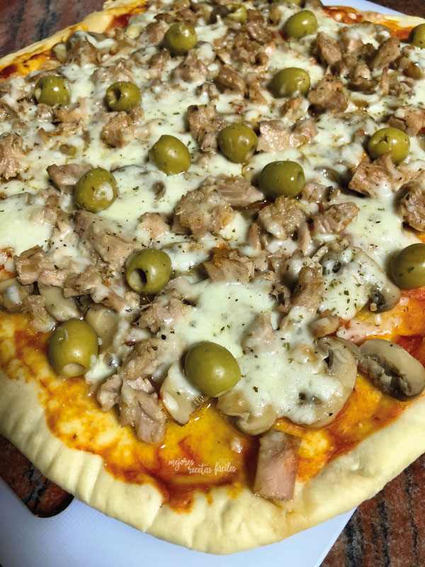 pizza queso atún y aceitunas
