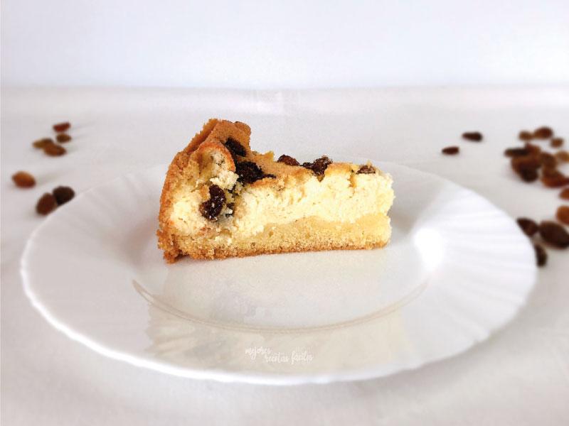 pastel de queso quark y pasas