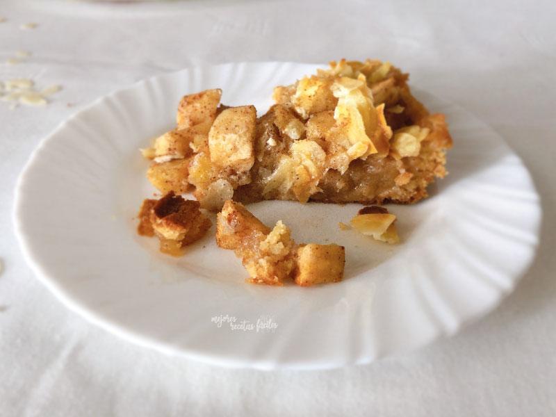 tarta de manzana con costra de almendra