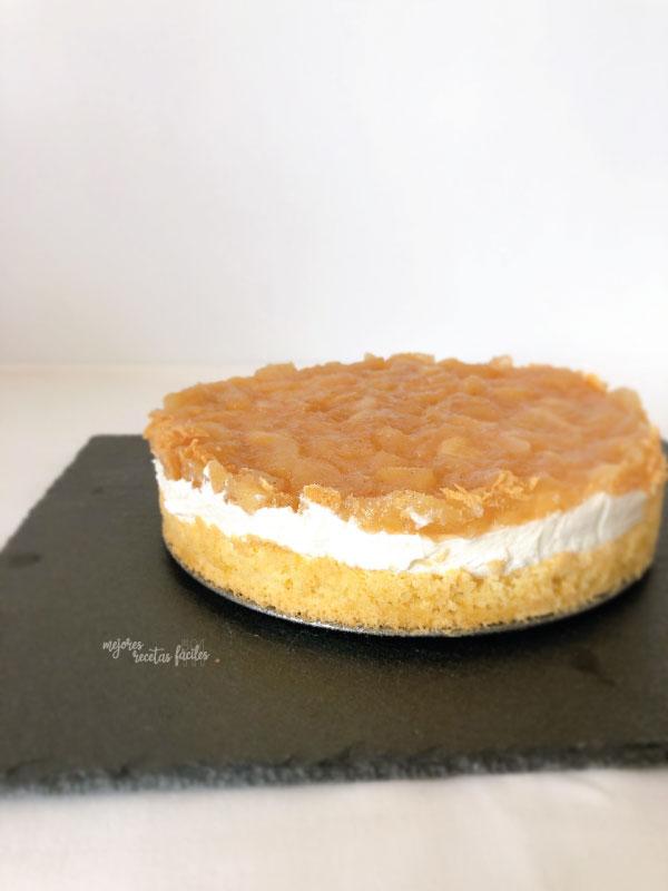 tarta de queso con bizcocho y manzana